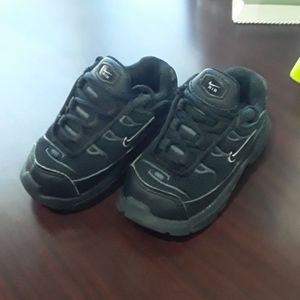 Kids Nike Air Shoes Size 4c